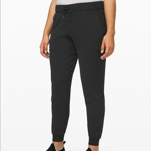 Lululemon's On The Fly Jogger pant